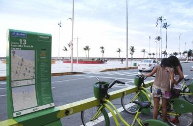 Hoje Fortaleza conta com 40 estações de compartilhamento . Até março de 2016 mais 40 estações do Bicicletar serão instaladas (FOTO: Divulgação)