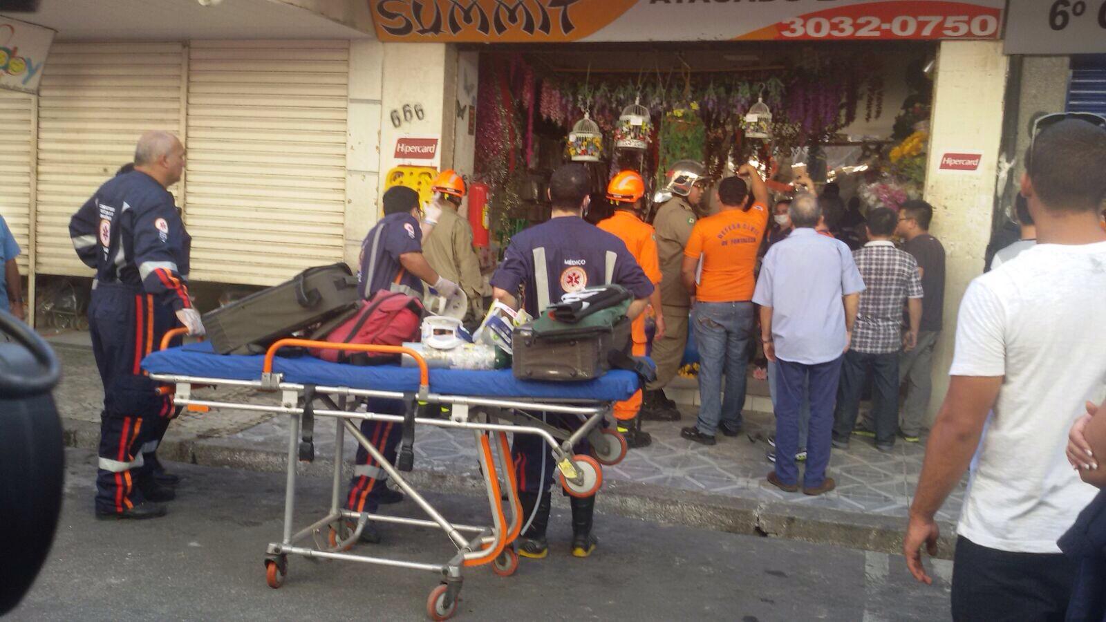 Corpo de Bombeiros, Polícia Militar, Defesa Civil e Crea estiveram no local para prestar apoio (FOTO: Reprodução)