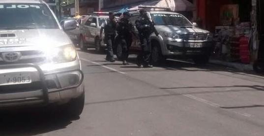 Assaltantes roubaram celulares e outros produtos do estabelecimento (FOTO: Reprodução/Whatsapp