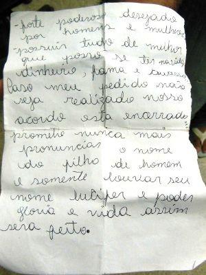 Bilhete foi encontrado com os jovens no momento da apreensão. (FOTO: Polícia Civil do Ceará)