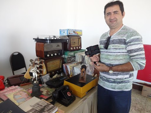 O funcionário público Jairo Silva faz parte da pequena porcentagem de cearenses na feira, mas tem grandes coisas para mostrar ao público (FOTO: Marianna Gomes/Tribuna do Ceará)