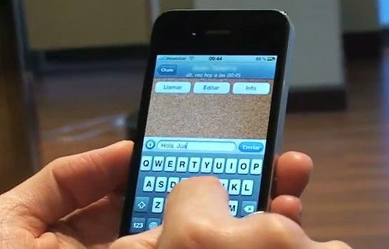 No aparelho celular foram encontradas mensagens que indicaram o comércio virtual de pistolas e revólveres (FOTO: Reprodução)