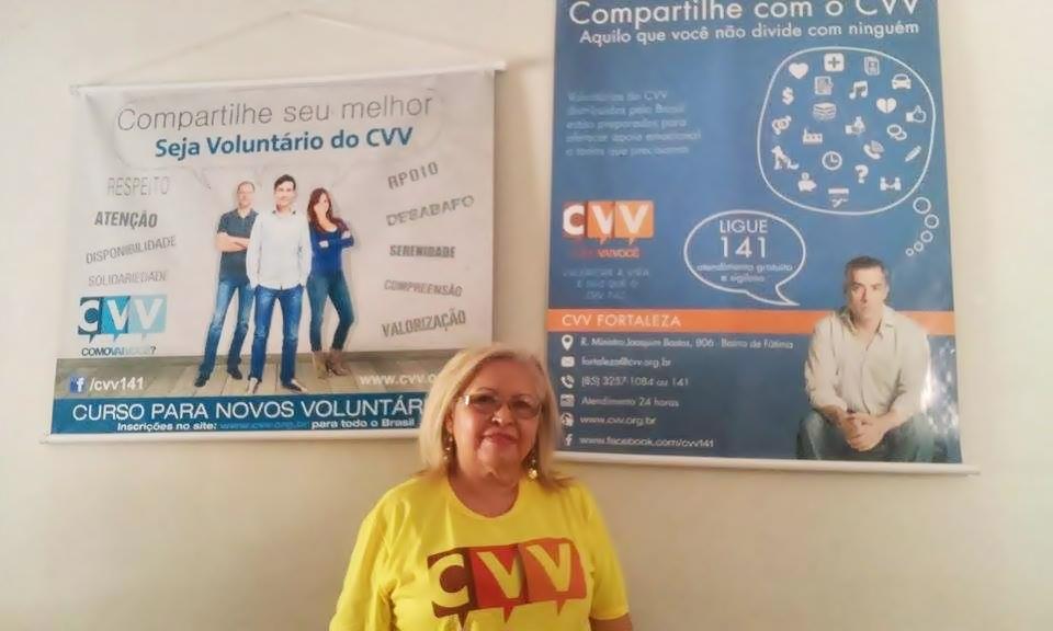 Nilza Viana é porta-voz do CVV em Fortaleza (Foto: Thamiris Treigher/Tribuna do Ceará)