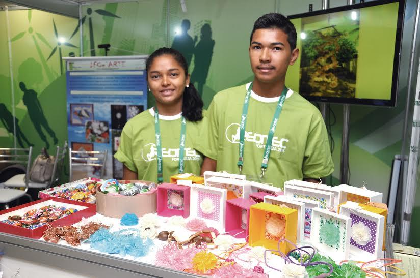 Armario Persiana Horizontal ~ Alunos do IFCE de Acaraú fazem artesanato com conchas e