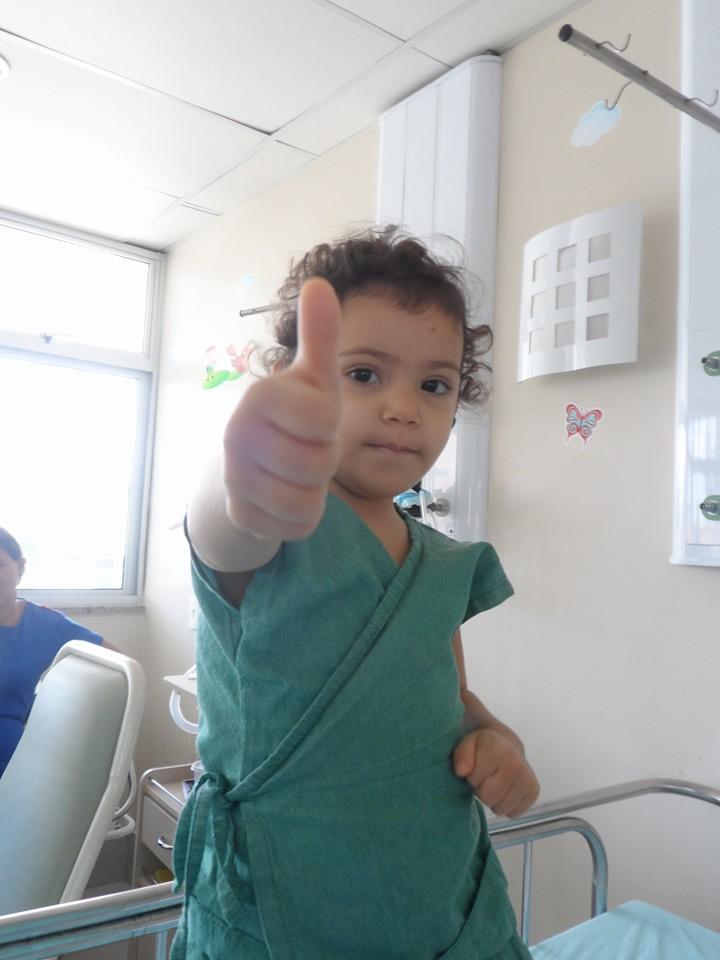 Yasmine foi diagnosticada com doença rara e necessita de transplante de medula (FOTO: Arquivo pessoal)