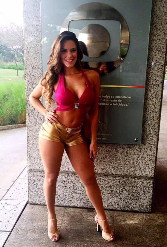 Ana Carolina participou do concurso para ser bailarina do Faustão em junho de 2015 (FOTO: Reprodução Facebook)
