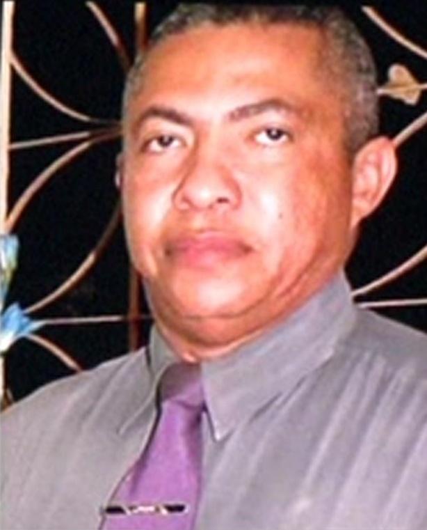 Uma câmera de segurança flagrou Roberval Nunes saindo da residência onde ocorreu o crime. (FOTO: Reprodução)