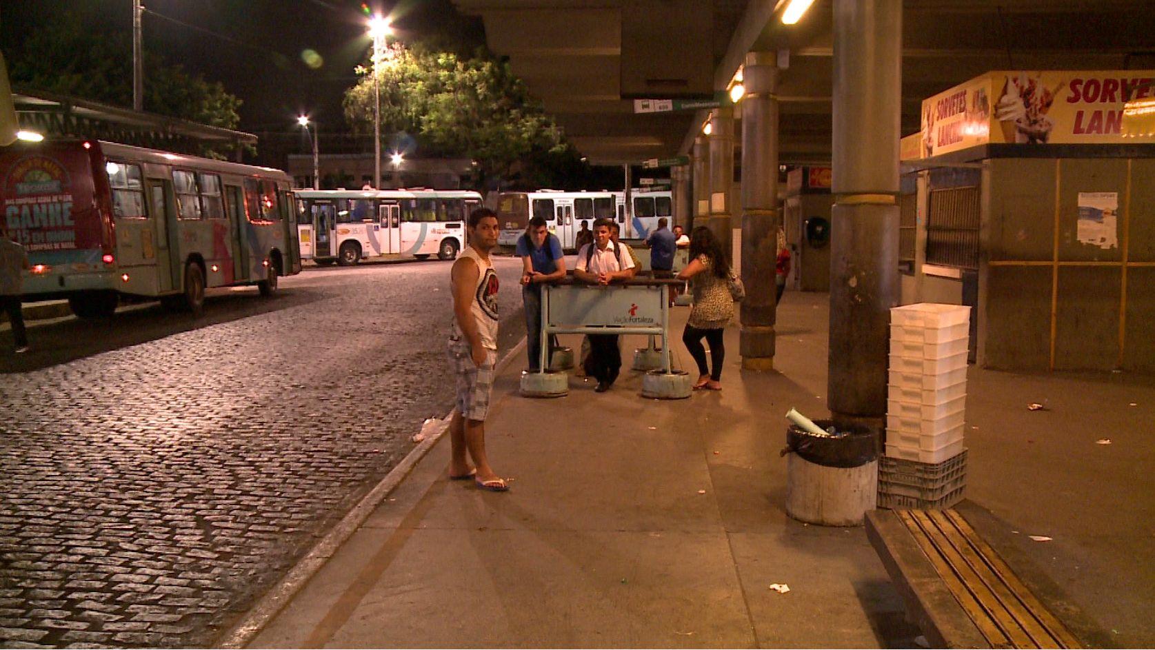 Passageiros relataram estar com medo de voltar para casa. (FOTO: Reprodução/ TV Jangadeiro)