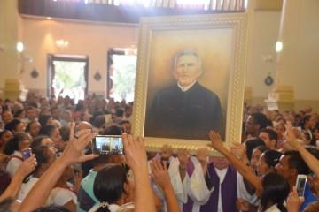 Carta do Vaticano foi lida pelo bispo da Diocese do Crato, Dom Fernando Panico (FOTO: Patrícia Silva/Diocese do Crato)