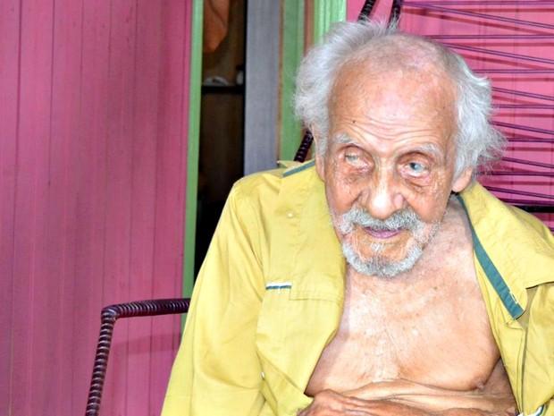 José Coelho tem 3 filhos e foi pai pela última vez aos 101 anos. (Foto: Alexandre Santana/Arquivo pessoal)