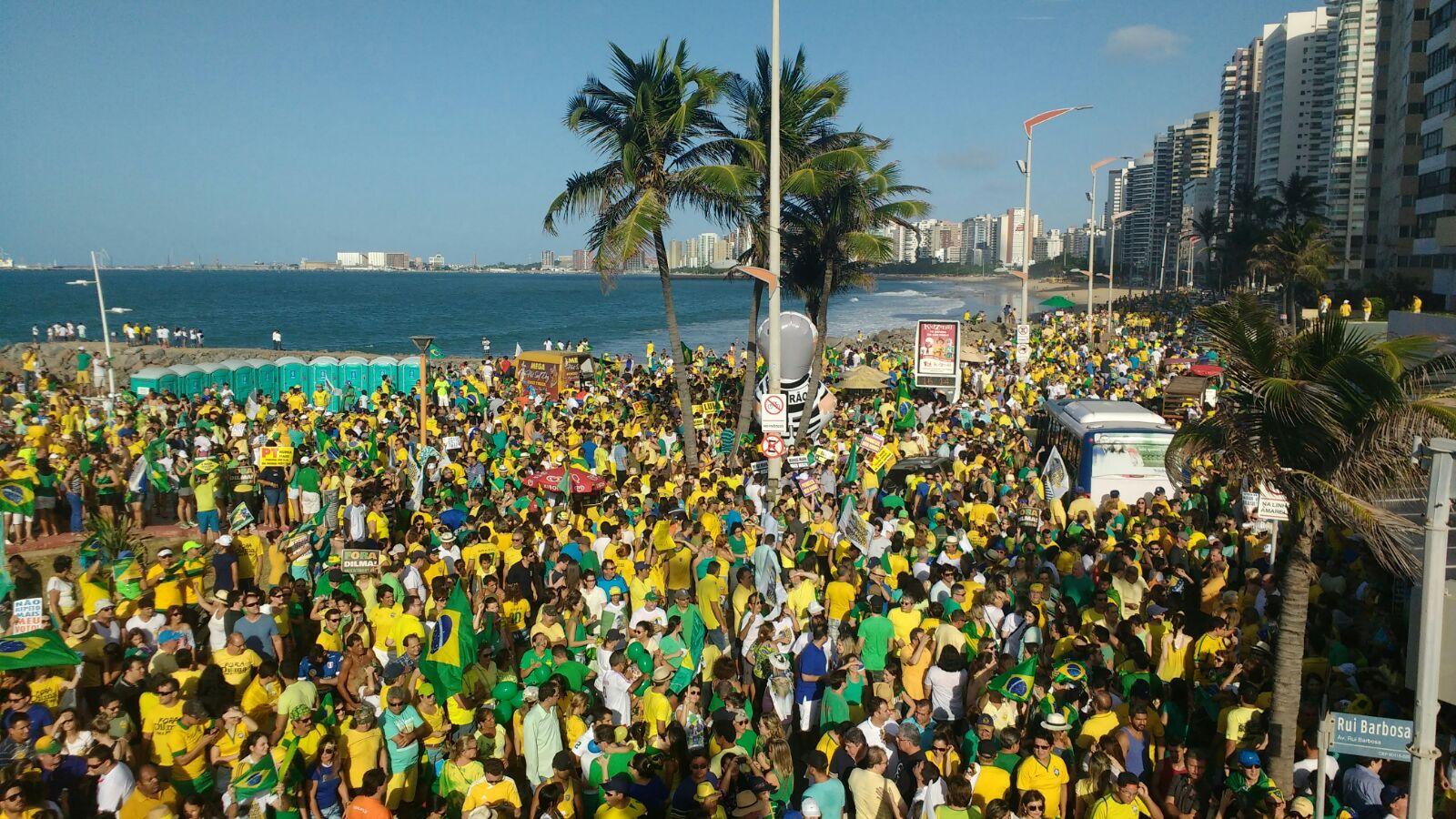 Organizadores estimaram a presença de 150 mil pessoas, mas a Polícia não confirmou o número. (FOTO: Tribuna do Ceará)