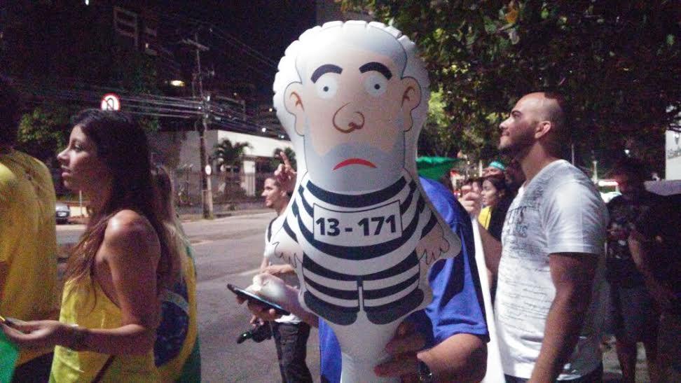 Fortaleza novamente tem protesto contra Dilma e Lula (FOTO: Lyvia Rocha/ Tribuna do Ceará)
