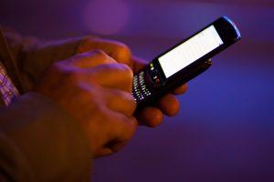 Smartphone não precisa ser um inimigo dos estudos, afirma o idealizador do aplicativo (FOTO: Flickr/Creative Commons/Håkan Dahlström)
