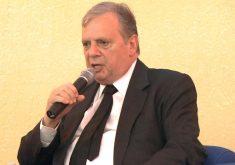 Tasso Jereissati concedeu entrevista após palestra na CDL (FOTO: Reprodução/TV Jangadeiro)