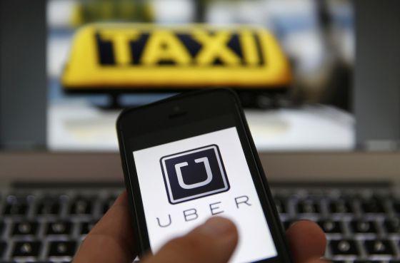 Com medo da reação de taxistas, clientes usam formas criativas em defesa de motoristas do Uber