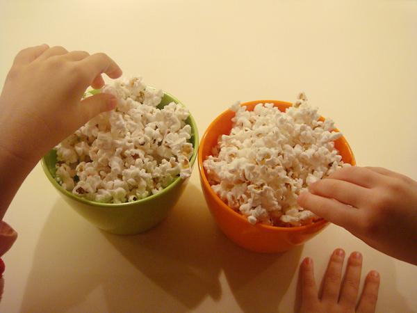 Procon adverte cinemas a não proibir entrada de alimentos e bebidas