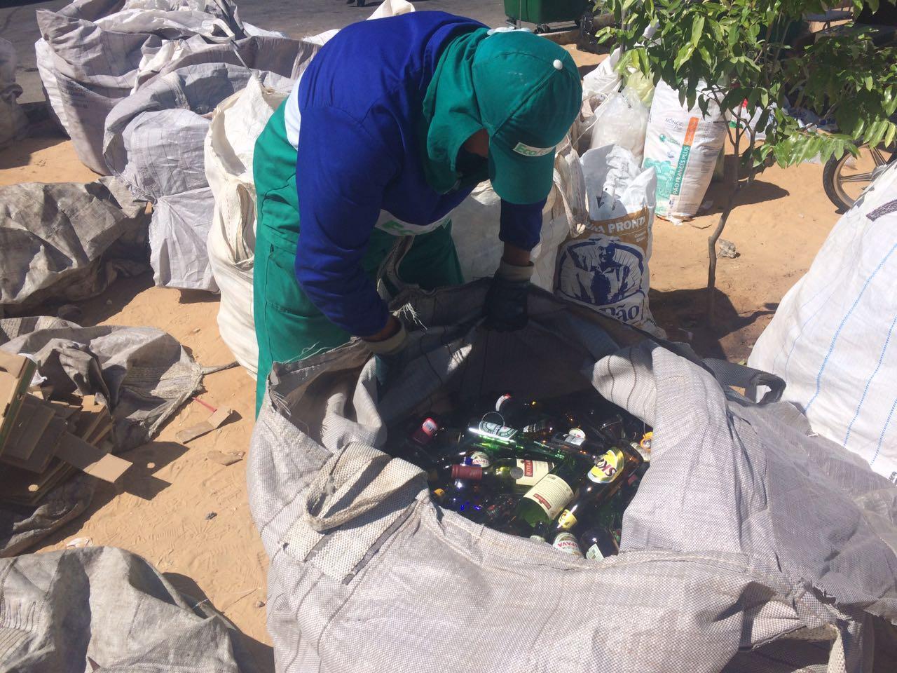 Bairros pobres reciclam mais lixo do que ricos em Fortaleza