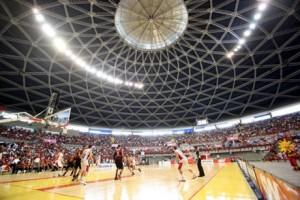 Em 2013, mais de 9 mil pessoas acompanharam uma partida entre Basquete Cearense e Flamengo no Paulo Sarasate (Foto: LC Moreira/divulgação)