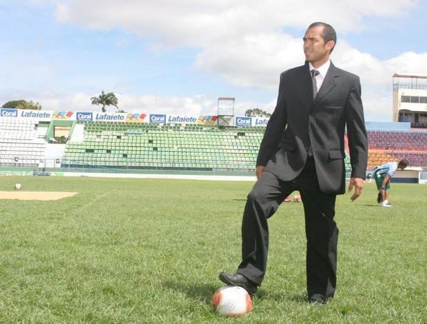 Marciano se formou em direito no ano de 2012 (Foto: China/Agência Miséria)
