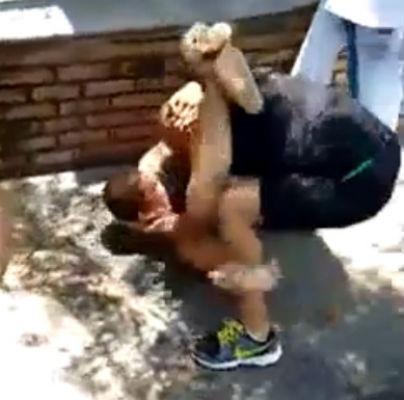 A briga foi protagonizada entre dois lutadores de jiu-jitsu (Foto: Reprodução/Whatsapp)