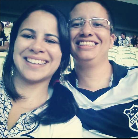 Michelle foi a primeira vez em um estádio com Ramiro FOTO: Reprodução/Facebook)