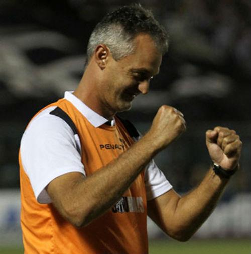 Lisca tem 5 vitórias em 6 jogos no comando do Ceará (FOTO: Christian Alekson / CearaSC.com