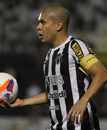 Fernadinho detonou a nova bola do Estadual (FOTO: Christian Alekson/Cearasc.com)