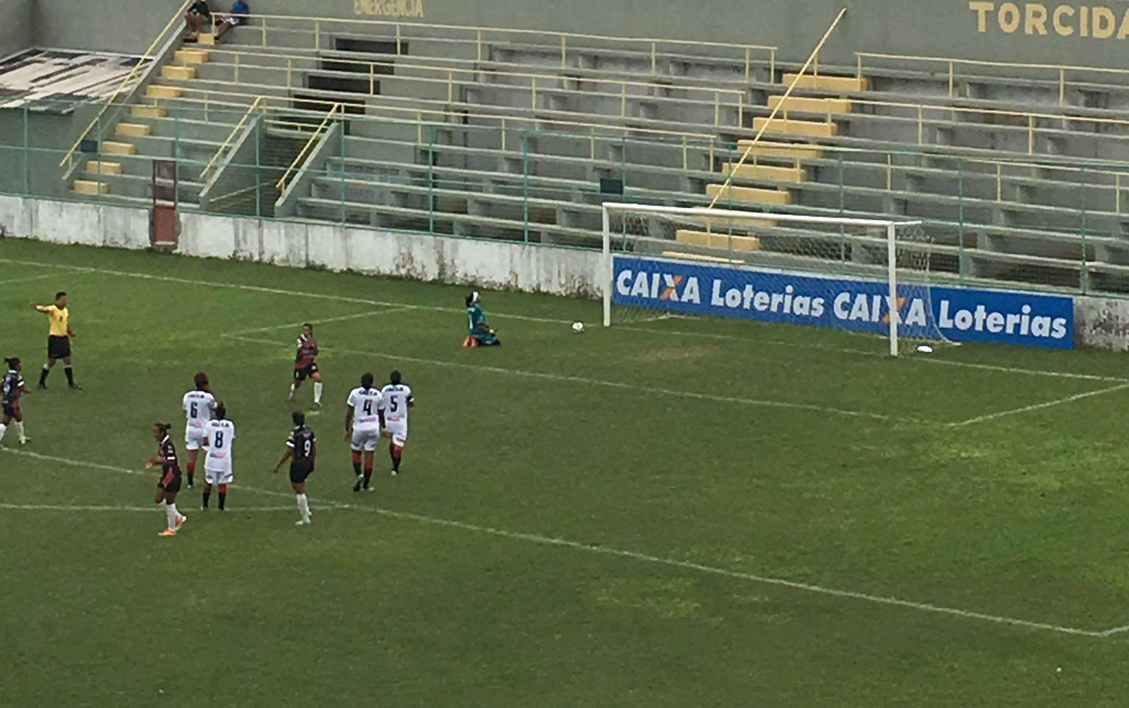 Na estreia elas golearam o Vitória (FOTO: Patrícia Castro/FCF TV)