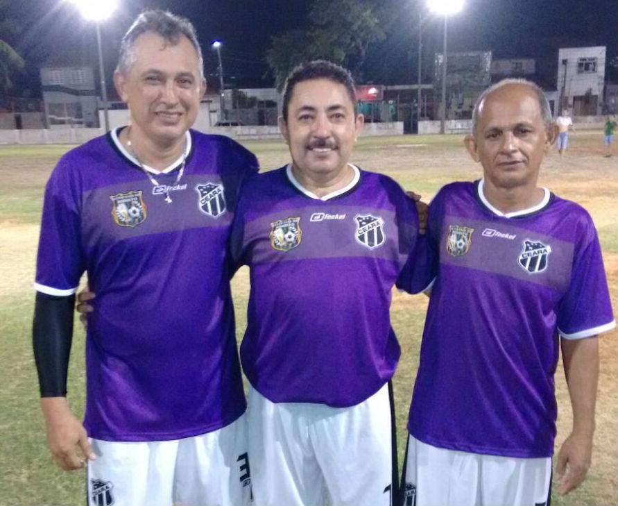 Edmar Martins (centro) é um dos membros da diretoria (FOTO: Reprodução/Facebook)