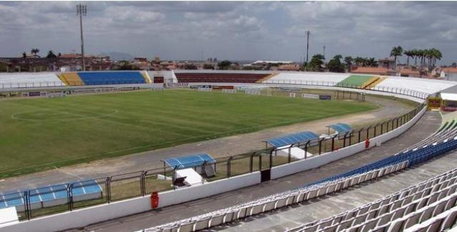 O estádio do Junco tem capacidade para mais de 10 mil pessoas (Foto: Blog Sobral em Revista)