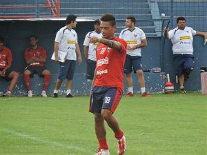 Valdir está ansiosa para retornar aos gramados (Foto: Rafael Silva/Divulgação/FortalezaEC)