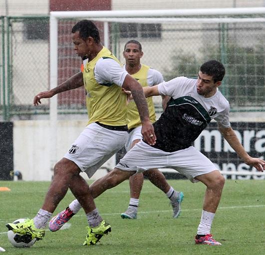 Bill treinou entre os titulares para a partida desde sábado (FOTO: Rafael Barros / cearasc.com)