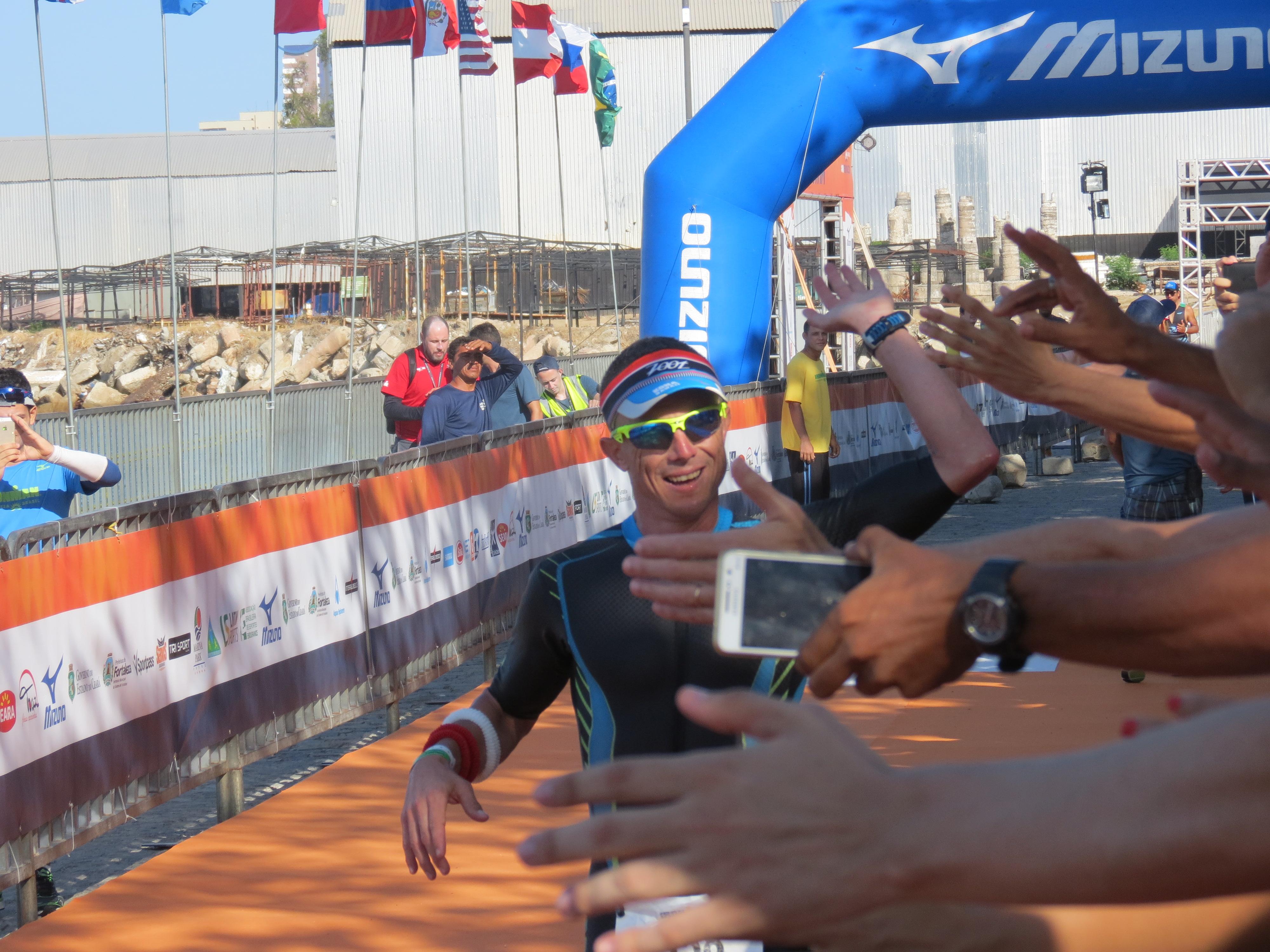Francisco Sartore foi o campeão da edição 2015. O paulista fez um tempo de 9h14min (Foto: Lucas Catrib)