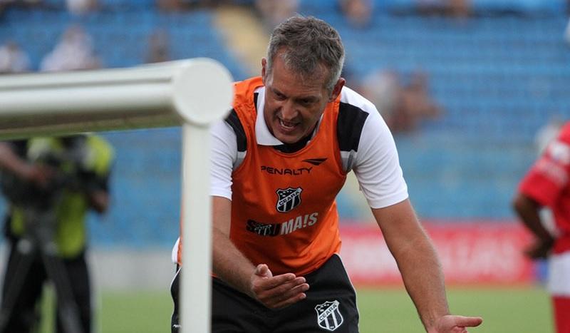 Lisca ficou irritado com o resultado negativo diante do Guarani (Foto: Christian Alekson/CearaSC.com)
