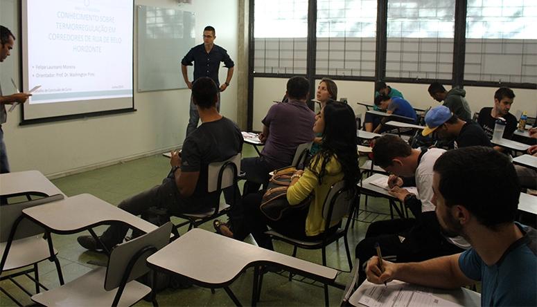 É preciso estar atento aos slides e à fala durante a apresentação (FOTO: Divulgação)