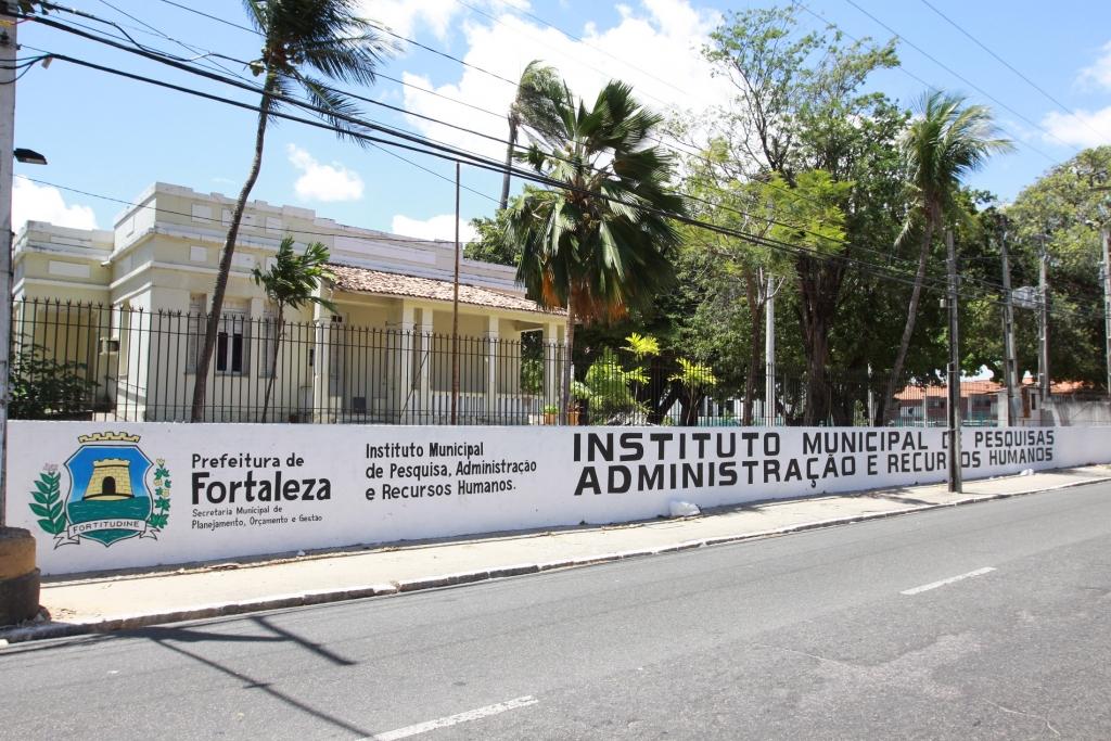 Fortaleza seleciona 350 vagas para assistentes de Educação Infantil