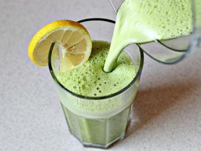 O suco verde é um dos mais populares (Foto: Reprodução/Facebook)