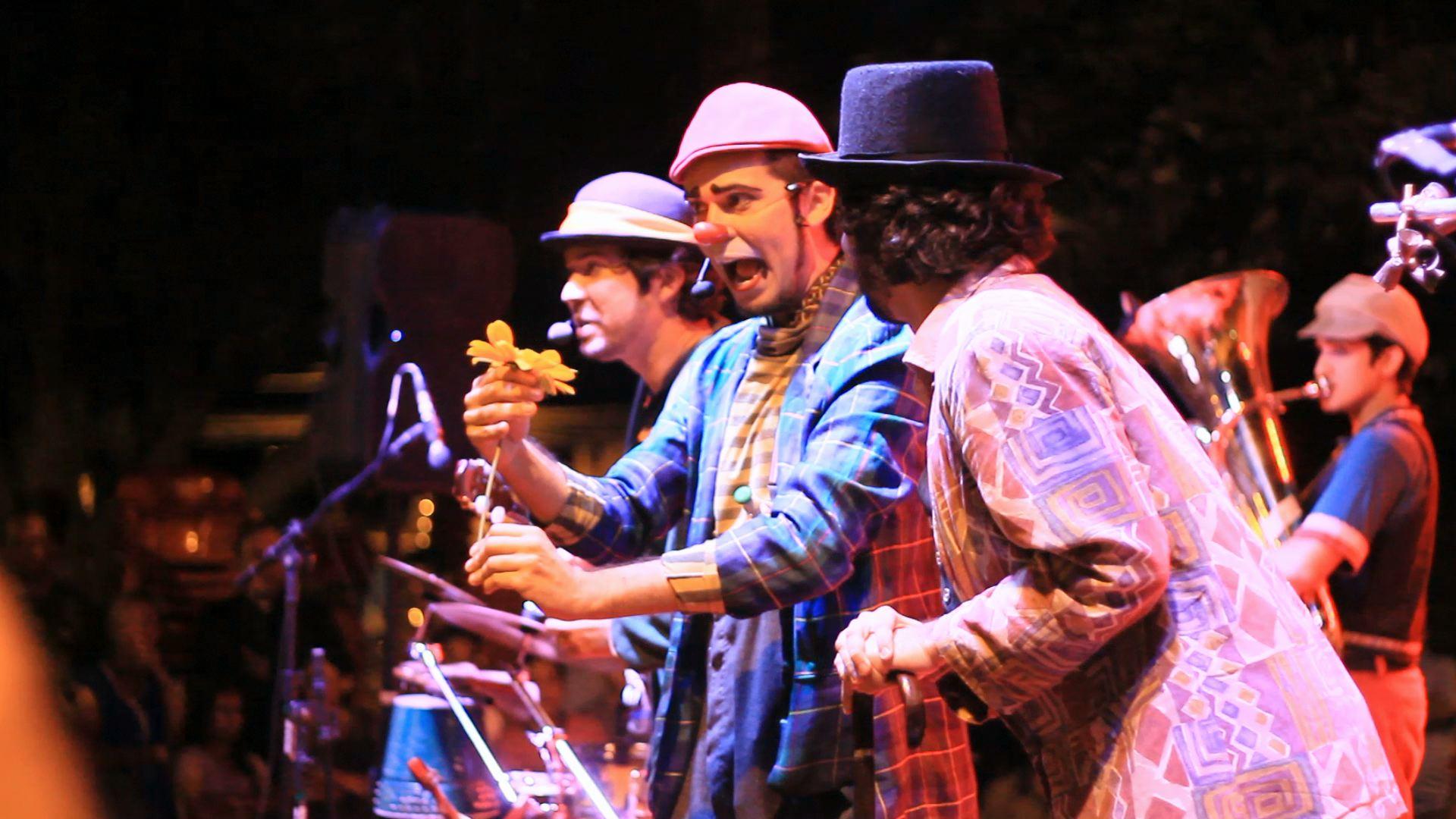 A mistura de música, teatro e dança da banda Dona Zefinha vai rechear a programação no Dia das Crianças (FOTO: Reprodução)
