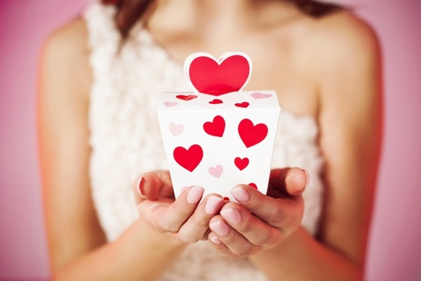 Confira dicas de presentes que devem ser evitados no Dia dos Namorados