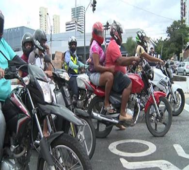 Cruzamento da Murilo Borges x Raul Barbosa recebe faixa de retenção para motos