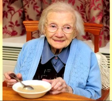 Para escocesa de 109 anos, segredo da vida longa é não casar