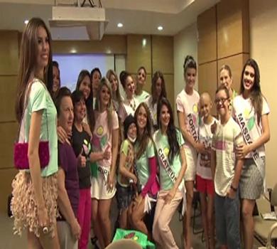 Na véspera do Miss Ceará 2015, candidatas visitam Associação Peter Pan