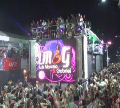 Diversas atrações nacionais comemoraram os 20 anos do Carnabral