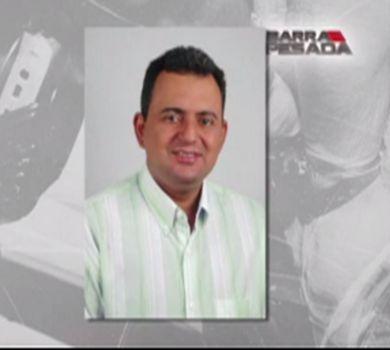 Familiares e amigos se despedem de vice-prefeito assassinado