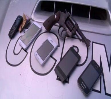 Dupla é presa roubando em postos de gasolina