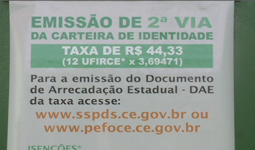Nesse carnaval de 2016, mais de 100 documentos de identidade foram perdidos (FOTO: Reprodução TV Jangadeiro)