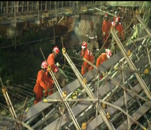 Ponte do viaduto da Av. Raul Barbosa desabou há um mês (FOTO: Reprodução TV Jangadeiro)
