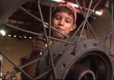 Luís Daniel sabe tudo sobre mecânica (FOTO: Reprodução TV Jangadeiro)