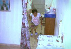 Ela precisa de ajuda na alimentação e na compra de remédios. (FOTO: Reprodução/ TV Jangadeiro)