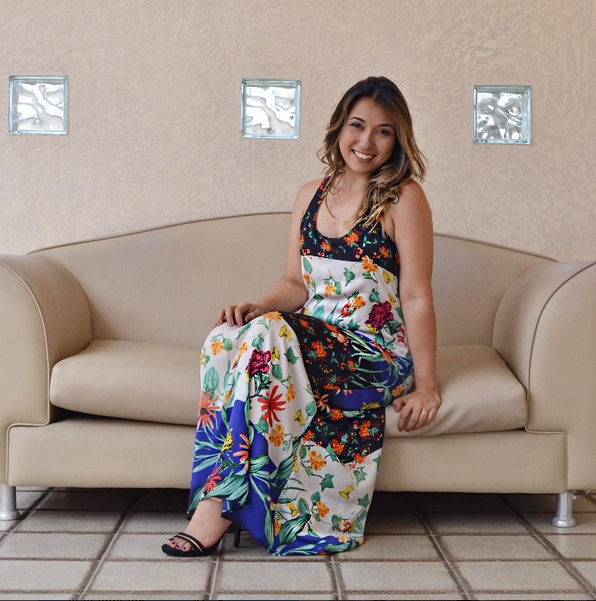 Carlinha do Equilíbrio Sempre trabalha há 8 anos como blogueira (FOTO: Reprodução Instagram)